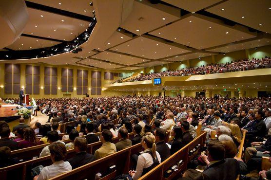 1024px-Lancaster_Baptist_Church_Main_Auditorium